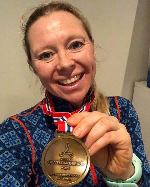 TRIATLET: Ingeborg Solberg har tatt opp triatloninteressen i voksen alder. Nylig var hun med i NM i vintertriatlon.