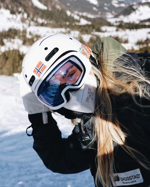 PÅ JOBB: – Det er verkeleg spesielt å vera i Alpane no, seier Gunnhild Sofie Vangsnes.