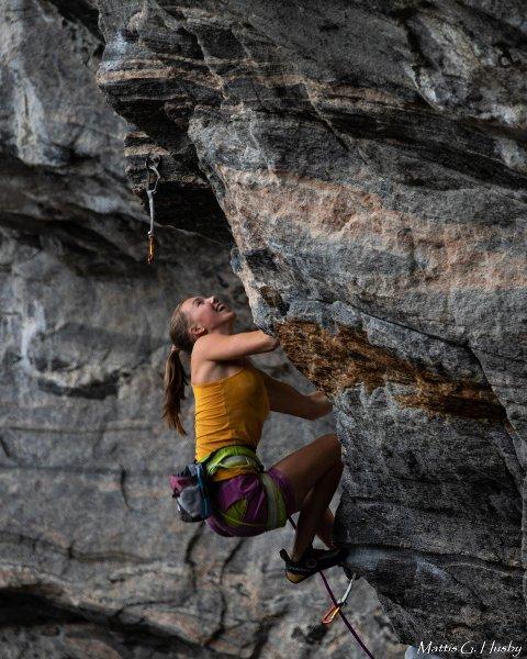 ENORMT: Sunniva Øvre-Eide ble på mandag den yngste jenta i Norge til å klatre en 8b+ grad.
