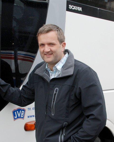 Permitteringer: Daglig leder i Jotunheimen og Valdresruten Bilseskap (JVB), Helge Kvame, har nylig sendt ut 37 permitterinsgvarsel til sine ansatte.