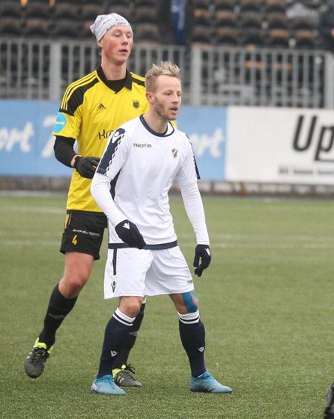 SCORET: Tonny Brockhmann (foran) scoret for Stabæk i debuten for Stabæk, da Stabæk slo Lars Slemdal og Bærum 2-1.