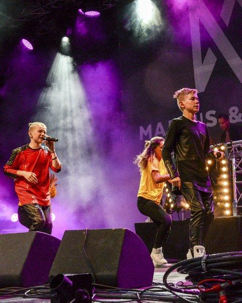 MAGISK: Stemningen var til å ta og føle på med Marcus og Martinus på scenen.
