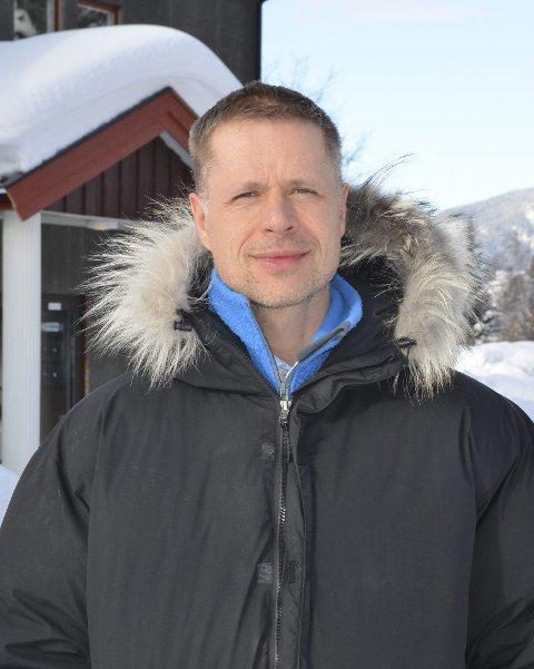 Uante muligheter: Rektor ved Valdres Folkehøgskole, Jens Rindal, mener en høgskoleutdanning i Valdres med fokus på området vi omgir oss med gir uante muligheter som kan bli verdensomspennende.