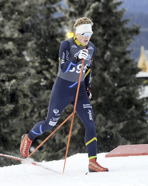 SATSER tøft også i år: Kristian Glasius Hegg fra Holmestrand, har kommet godt i gang med sin fjerde og siste sesong på juniornivå i langrennssporet. Foto: Svein Halvor Moe