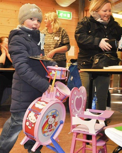 Trommesett: Ingeborg Kristine Ingebrigtsen (6) sikret seg et rosa trommesett.
