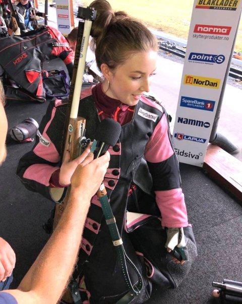 GJENNOMBRUDDET: Klara Taugl var i alles søkelys etter å ha skutt 247 poeng på Mestermøtet på Terningmoen på Elverum.