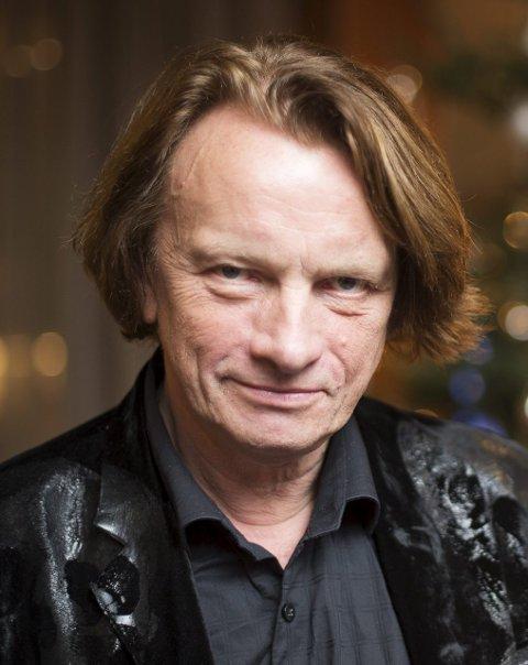 NAVN: Jan Eggum Stilling: Artist