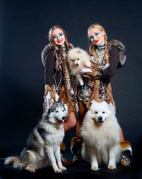 HUSKY & SAMOJED: Sledehunder i stor fart presenteres av Jennifer og Kelly Saabel.