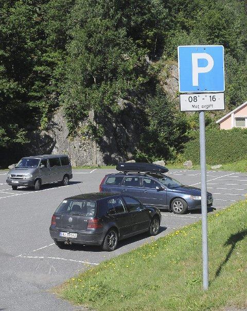 Gratis om høsten og vinteren: Politikerne skal nå avgjøre hvor mye det skal koste å sette fra seg bilen her.