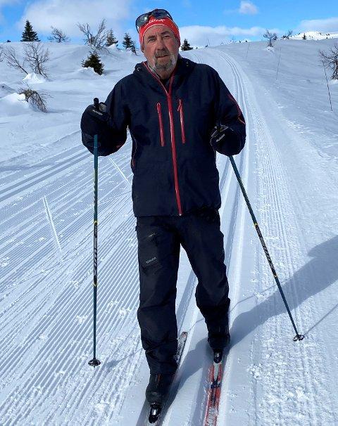 Steinar Strømsborg reagerer på at Gausdal kommune argumenterer for at hytteeierne får skiløyper igjen for økt eiendomsskatt  – Det provoserer meg voldsomt.