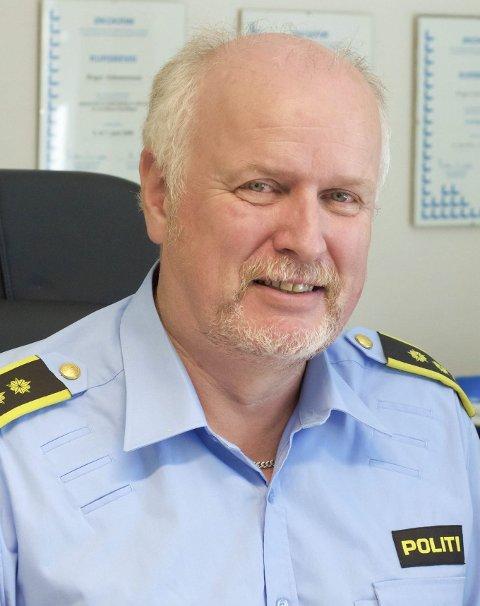 FASTE STILLINGER: Politistasjonssjef Roger Johannessen er fornøyd med at 400 midlertidige politistillinger blir faste.