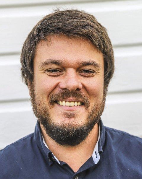 Helge Bergseth Bangsmoen (Ap) skriver svar til Håvard Tafjord (H) på vegne av samarbeidspartiene.