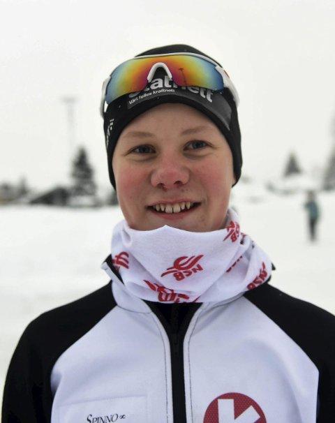 SATSER: Sondre Hvammen trives på skøytebanen.