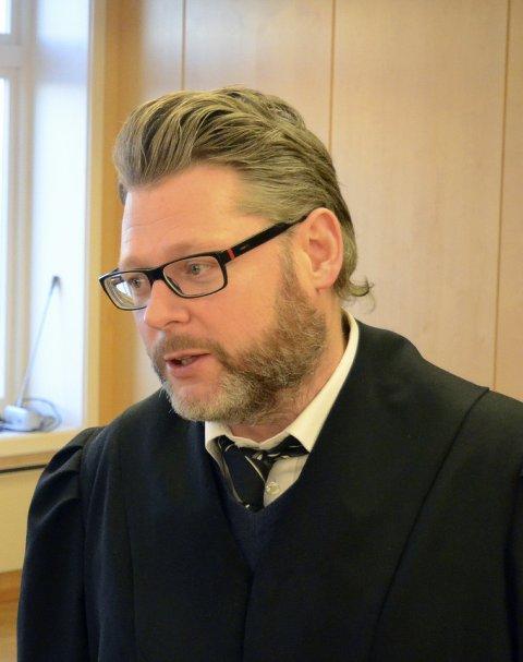 Bistandsadvokat Trond-Ivan Blomsø sier at foreldrene til avdøde er sterkt preget av sønnens dødsfall.