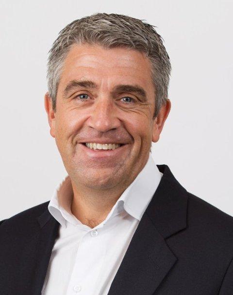 Arne Martin Koppen er sjef for markedsføring i banken Bluestep. Han advarer nordmenn mot å gå på en kredittsmell i løpet av sommeren.