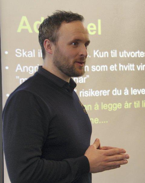 Inviterer: Glofklubbens leder Daniel Larsson ser fram til «Årets Største Reunion». Han inviterer nå 50 perosner til vorspiel for festen 1. februar.
