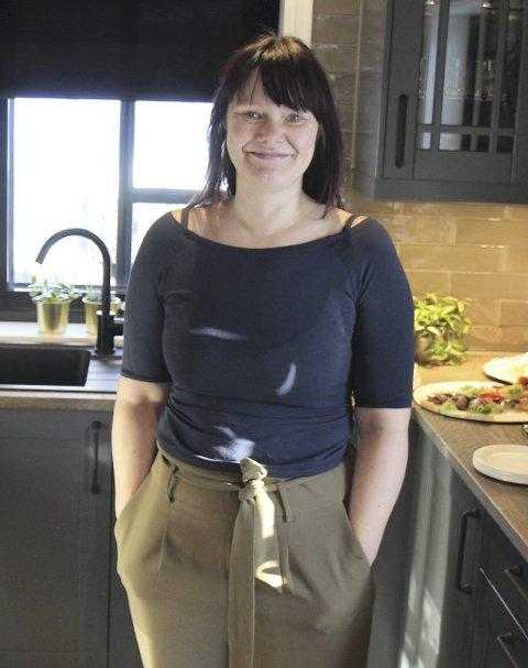 SELGER: Therese Christiansen er salgskoordinator for Boligpartner på Hellerudsletta.