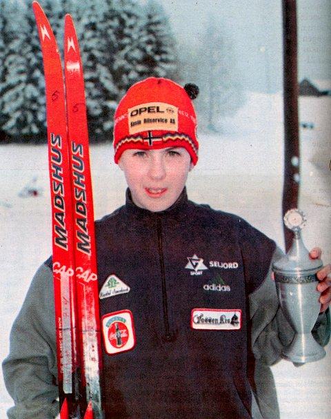 BESTE SAULENDING: May Britt Schia ble kåret til beste Sauland-løper under rennet på hjemmebane lørdag, og hovedpersonen var veldig godt fornøyd med sitt eget løp.