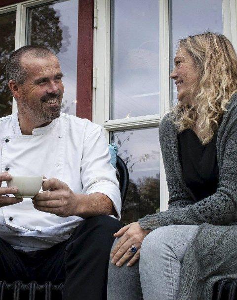 Linn og ragnvald zwilgmeyer: På Sandøya holder serveringstedene åpent i helgen som kommer.