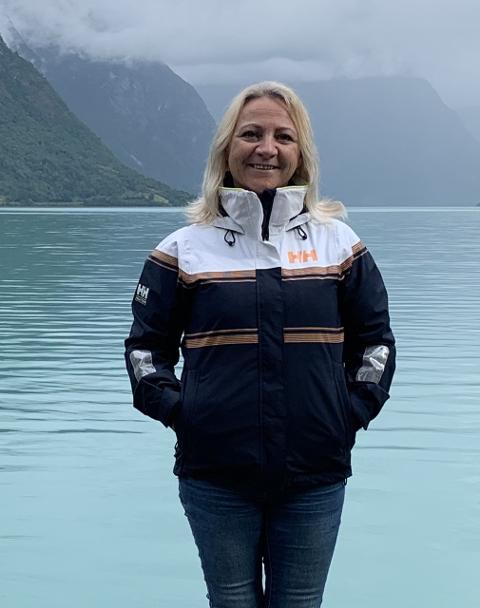 INTERRESSERT: – Om det er noen som ønsker å bidra som frivillig medarbeider er du velkommen til å kontakte meg, sier Anne-Berith Stangebråten. Hun er Aktivitet- og frivillighetskoordinator ved sykehjemmene Bergheim bo- og aktivitetssenter, Iddebo og Solheim.