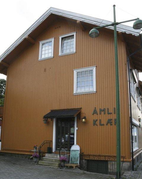 Permittert: Bjørg bestemte seg for å gi opp butikken da hun fikk jobb hos Åmli Bakeri. - Men nå er jeg permittert på bakeriet, forteller hun. Arkivfoto