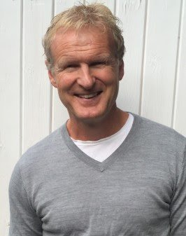 Haakon Dyrnes er ansatt som lesder av Komplett Groups nysatsing, Komplett Mobil.