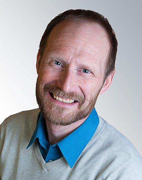 Arild Løvik, høgskolekandidat i natur- og miljøvernfag og samfunnsgeograf.