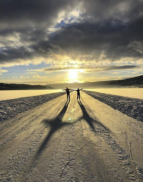 Skøyteis: Magisk på Mjøsa. Foto: Marion Grøtterud