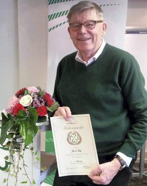 HEDRET: Jan Stolp ble tildelt Senterpartiets Hederspris.