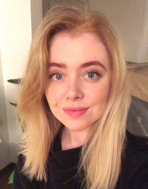 Barn og unge som har spørsmål om korona, kan ringe kommunepsykolog Karoline Gjertsen Larsen i Kjøllefjord.