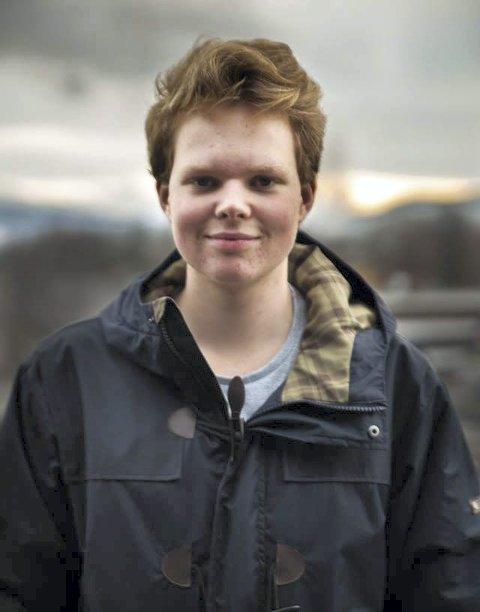 Ikke fornøyd: Som elevrådsrepresentant, er Petter Stiberg lite imponert over hvordan ledelsen ikke har involvert elevrådet i prosessen.FOTO: Trym Ottosen