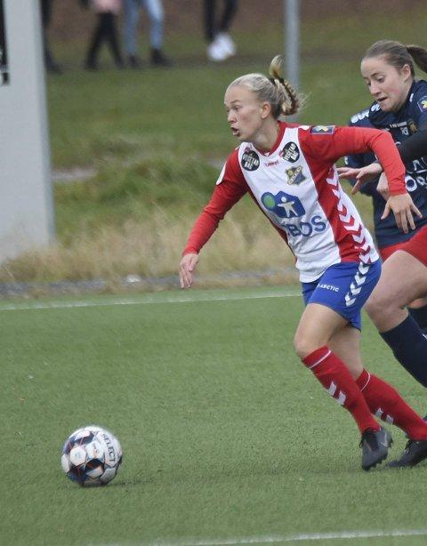 BERGET PLASSEN: Emilie Bølviken og Lyn skal fortsatt spille i Toppserien i 2021.