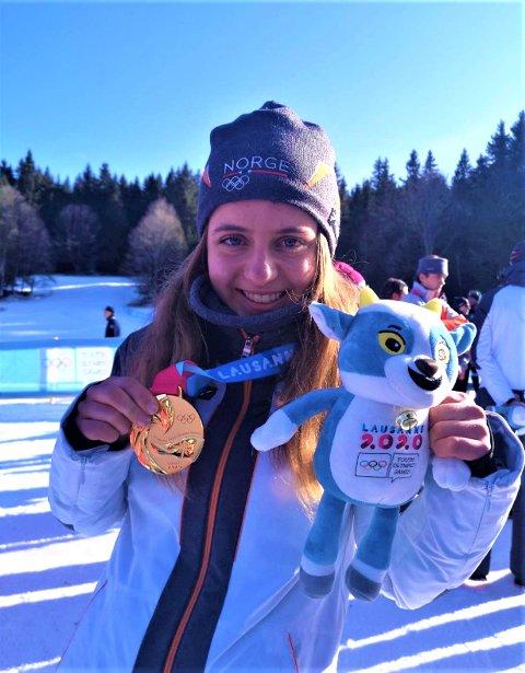 GULL: Nora Midtsundstad fra Vaaler er rykende fersk olympisk mester.