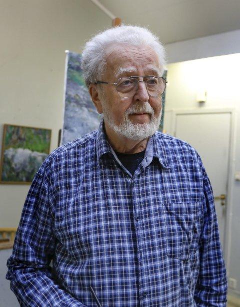 JUBILEUMSUTSTILLING: Olav Nygaard stiller ut landskapsbilder i Tysværtunet. Utstillingen åpnes av ordfører Sigmund Lier i Tysvær.