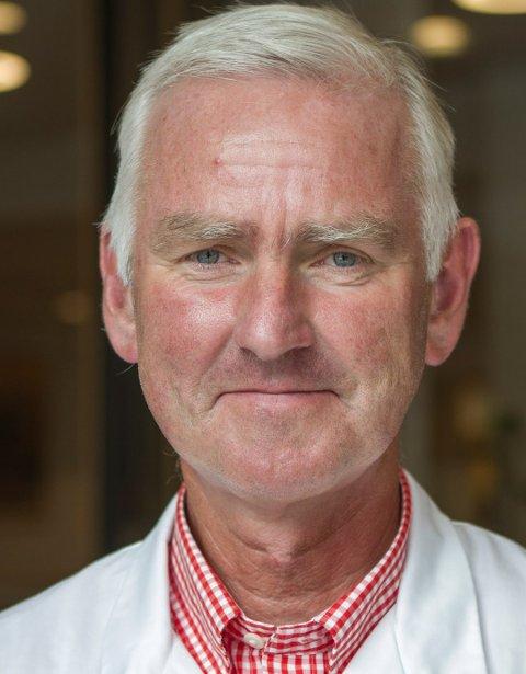 LIVSSTILSYKOM: Professor Sverre Steinsvåg ved Haukeland universitetssykehus mener bestemt at pollenallergi er en livsstilssykdom. Han ser også at stadig flere nordmenn rammes.
