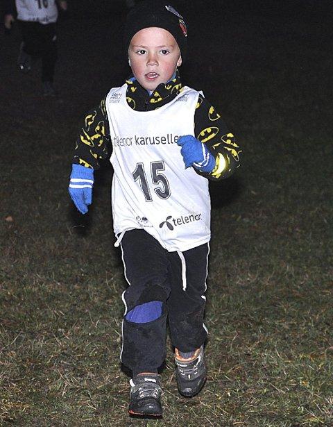 GA ALT: Oskar F. Johannessen (5 år) spurter i mål.