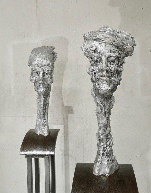 Skulptur av Geir Hjetland.