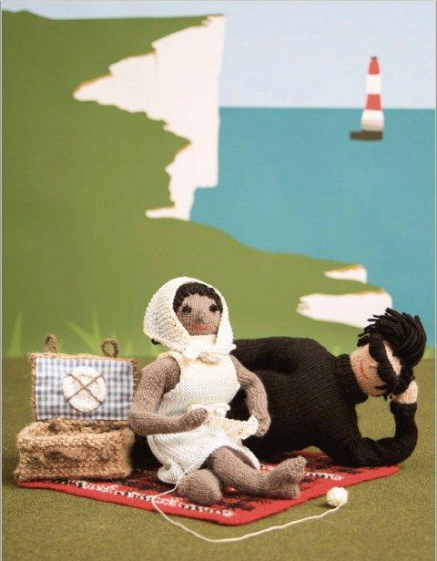 PÅ KANTEN: Bildet er fra «Strikk din egen Kama Sutra». Vi kan vel røpe såpass at pikniken utarter seg.