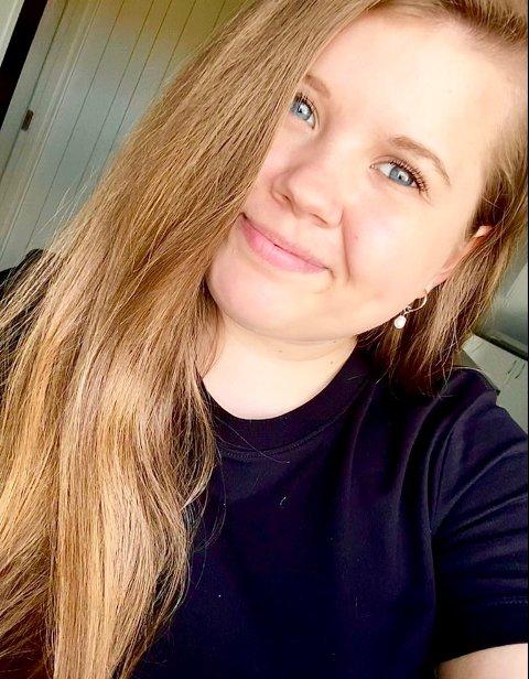 TAR INITIATIV: Heidi Lockertsen er ung innflytter i Larvik, og tar initiativ for å bli kjent med sin nye boplass og menneskene her.