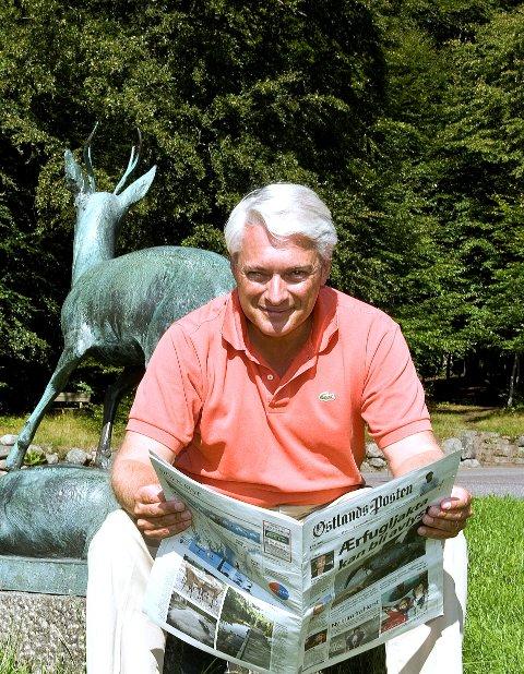 Wegger Strømmen fra Larvik har reist verden rundt i 25 år. Han har blant annet hatt jobben som Norges ambassadør til USA. Sommeren 2014 ble han utnevnt til utenriksråd i Utenriksdepartementet (UD),  men hver eneste sommer vender han tilbake til hjembyen.