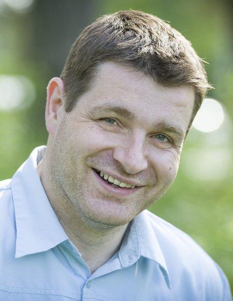 PÅ TOPP: Ole Frode Mikkelsgård fra Våler er Hedmark Venstres nye stortingskandidat..