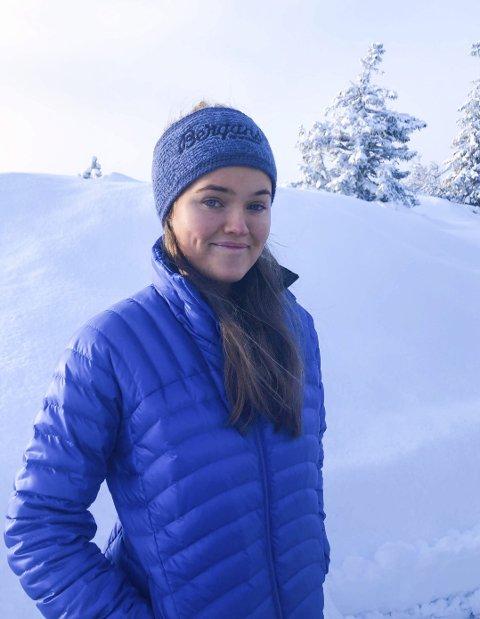 HJEM TIL JUL: London-studenten Andrea Ekeli fra Holmestrand rakk å komme seg hjem til norsk julefeiring før de nye reiserestriksjonene ble innført på grunn av den nye virusvarianten.