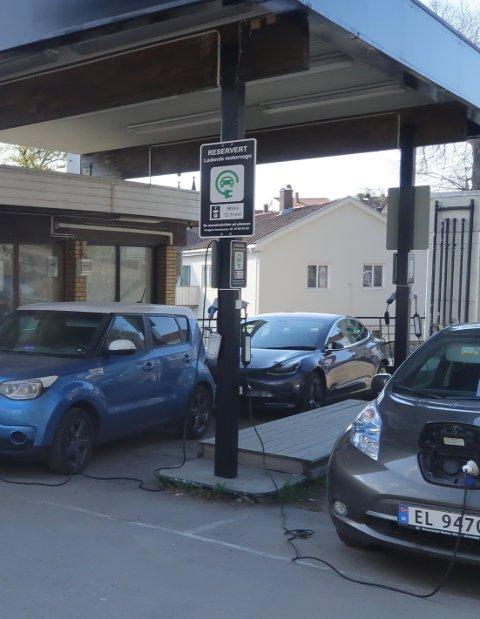 El-bil: Det legges opp til flere ladeplasser for elbil om Wiigs bensinstasjon rives.