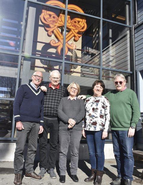 Oppe og går: Disse utgjør styret i nye Nord-Aurdal Hytteforum, f.v. Per J. Stendebakken, Petter Øksne, Elisabeth Kerr Eckbo, Aud Brekke Olaussen og Knut Nes.
