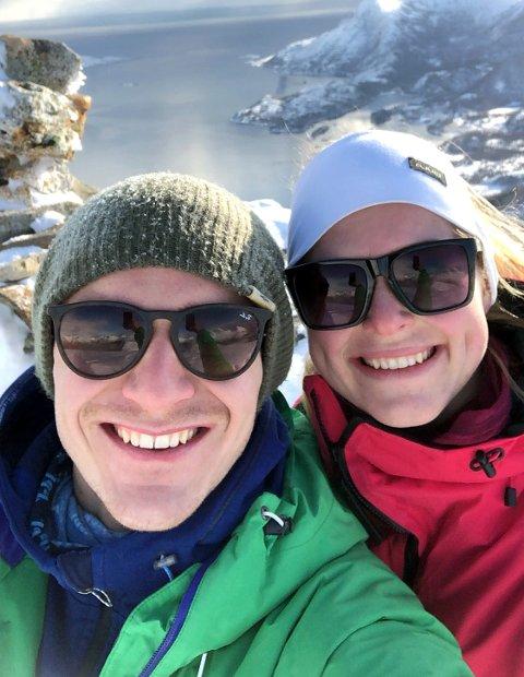 TOPPTUR: I Bodø og omegn mangler det ikke på turmuligheter. Her er Marius Lode og Vilde Ueland på Finnkonnakken.