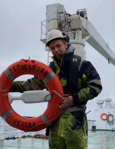 MATROS: Nicolai Dåvøy 20 år fra Kragerø er ferdig utdannet matros og skal utdanne seg til skipsoffiser.