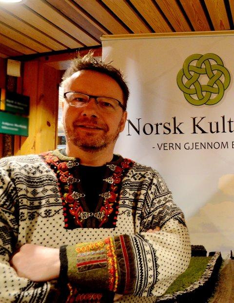 Direktør Erik Lillebråten i Norsk Kulturav og kommunikasjonssjef Tor Valdvik i Norsk Kulturarv