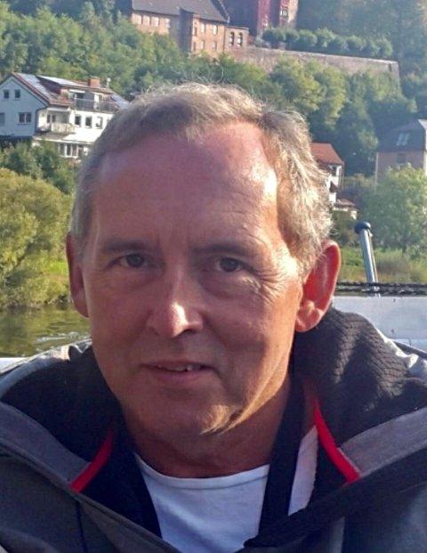 HEKTISK: Gudmund Hammer fra Roa opplever liten endring i jobbsituasjonen som følge av korona, men han synes folk klager for mye.