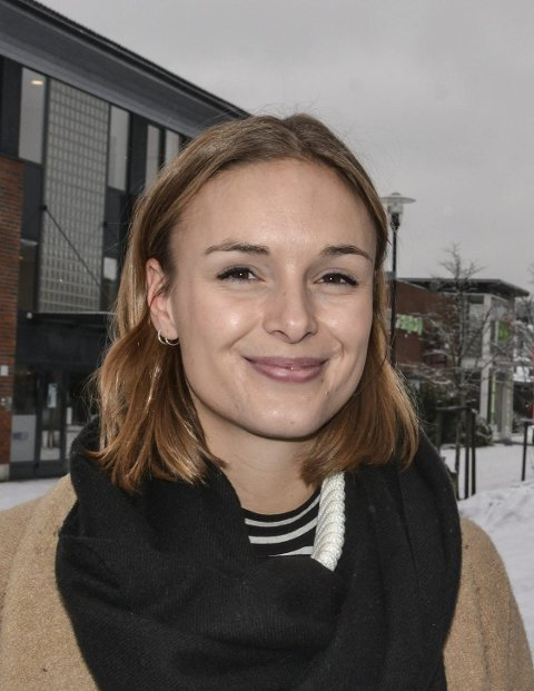Ny: Kristine Eid ble ansatt som journalist i lokalavisen i oktober.                                       Foto: Anne E. Mjåland