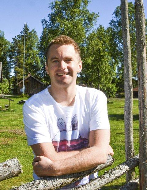 Bygde-entusiast: Halvard Tønneberg mener vi må ta vare på lokalmiljøet.Foto: Anne E. Mjåland